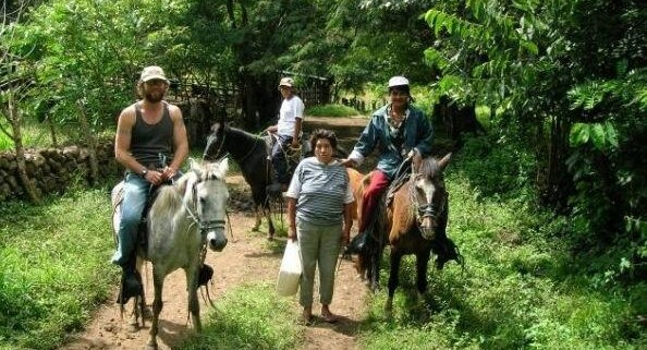 On the trail with Las Diosas in Nicaragua